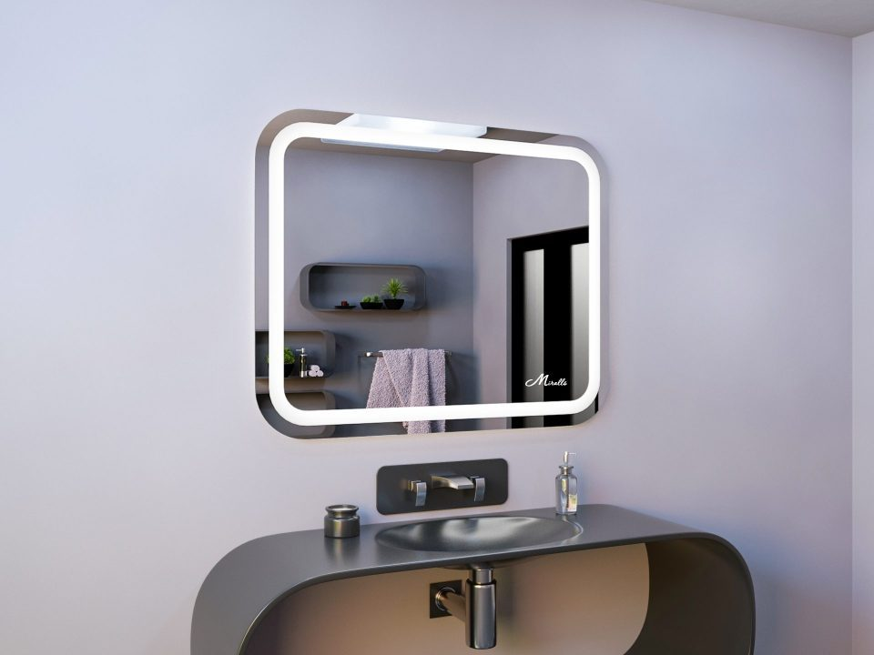 Прямоугольное зеркало со скругленными углами Loretta