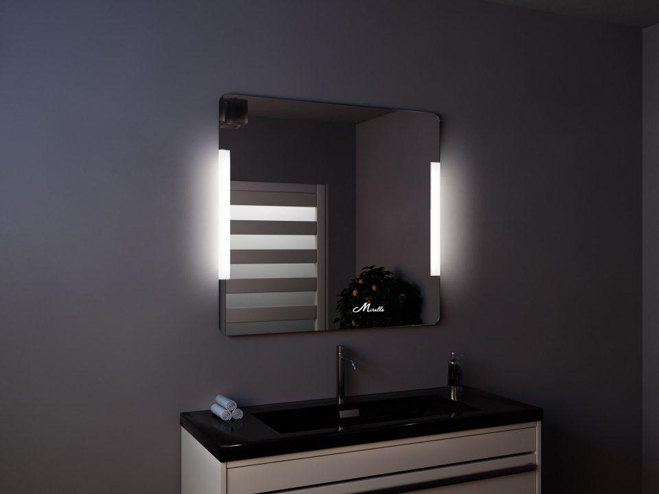 Зеркало Bravus со встроенной по бокам подсветкой