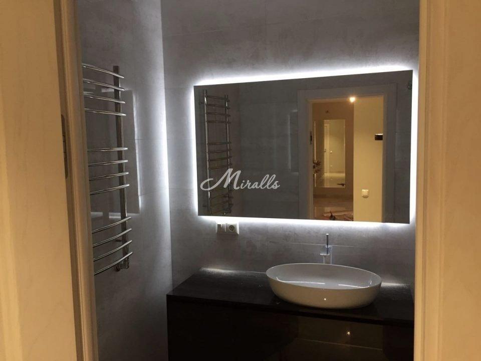 Зеркало Basic со светодиодной подсветкой