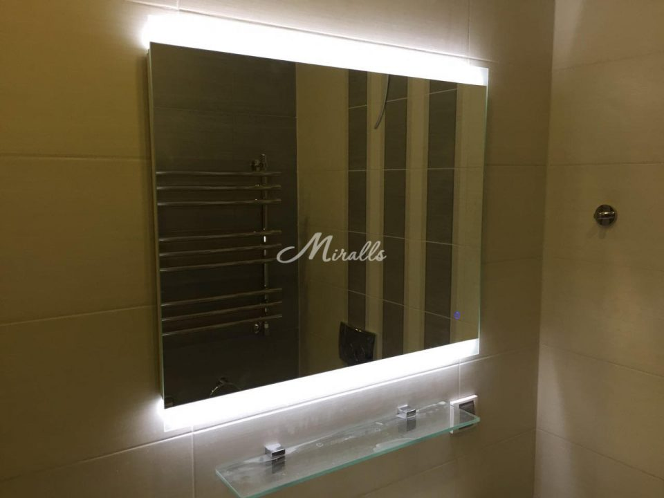 Зеркало с подсветкой для ванной комнаты River