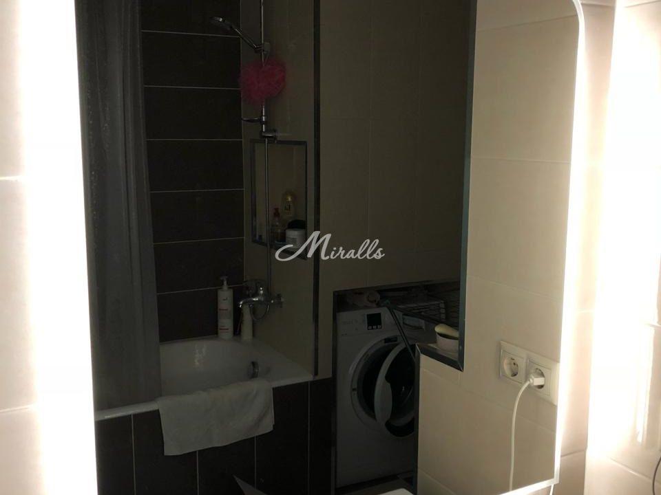 Модель нашего зеркала Sabina в частной квартире в ЖК «Новый Арбат 27»