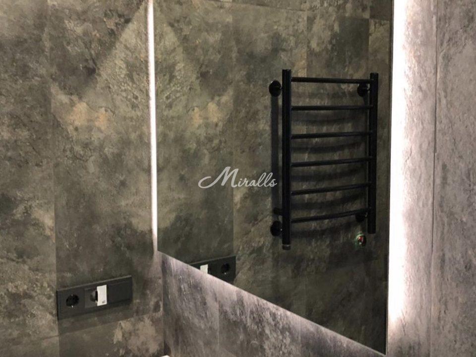Наше зеркало XL в частной квартире в МФК «Царская площадь»