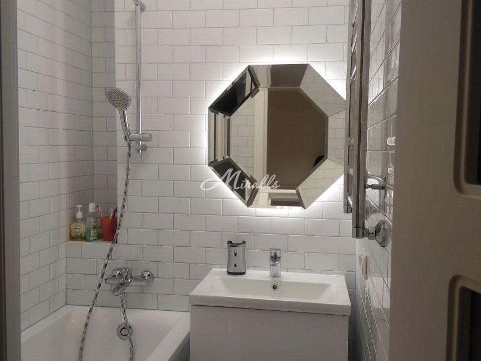 Наше зеркало Coliseum Extra в частной квартире (ЖК Триколор)