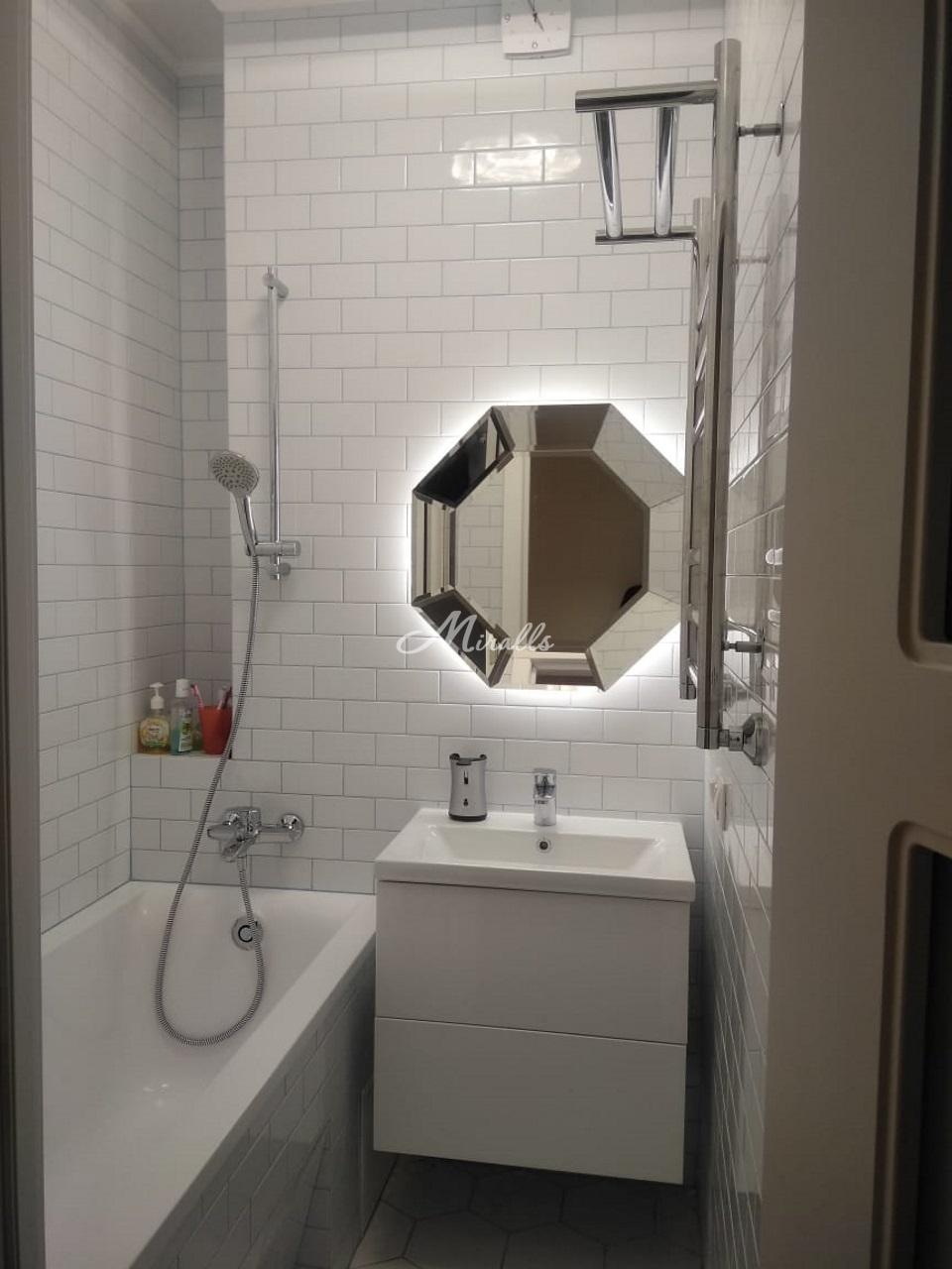 Зеркало Coliseum Extra в частной квартире (ЖК Триколор)