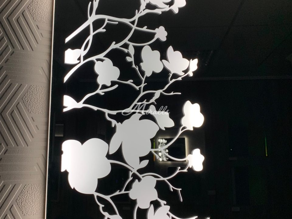 Зеркало Flowers с холодной подсветкой