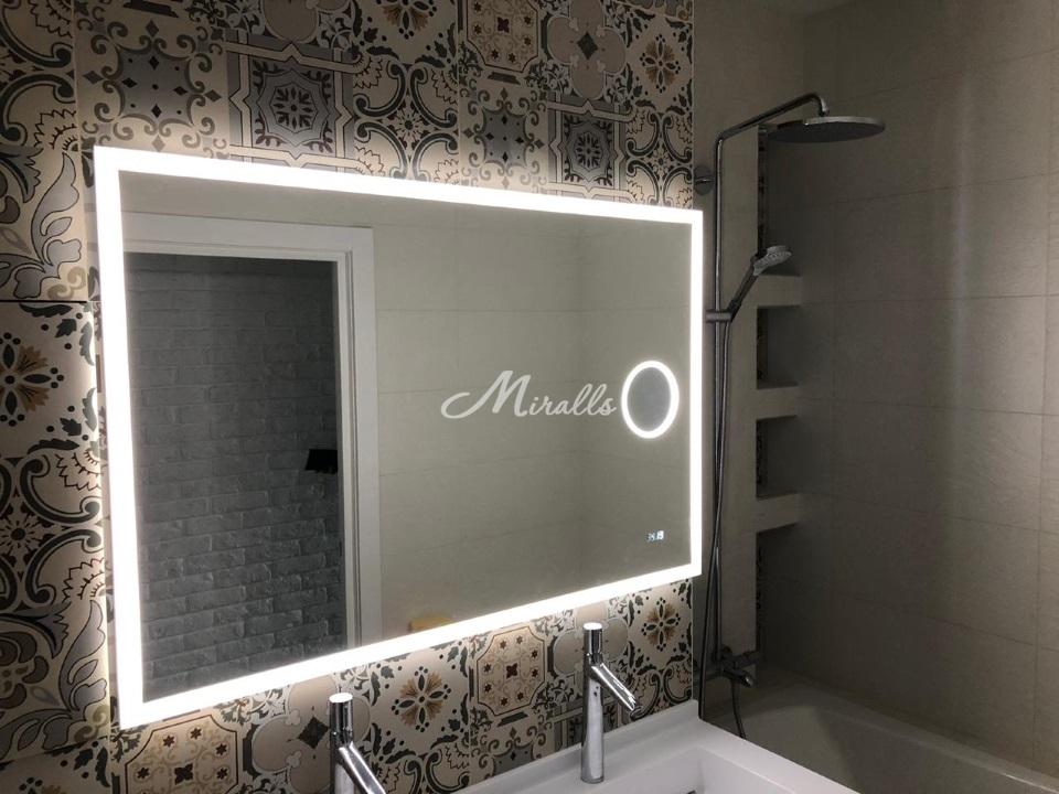 Зеркало Sella с часами и увеличительным зеркалом