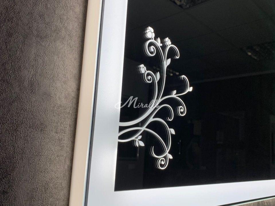 Профиль и рисунок зеркала с подсветкой Wood