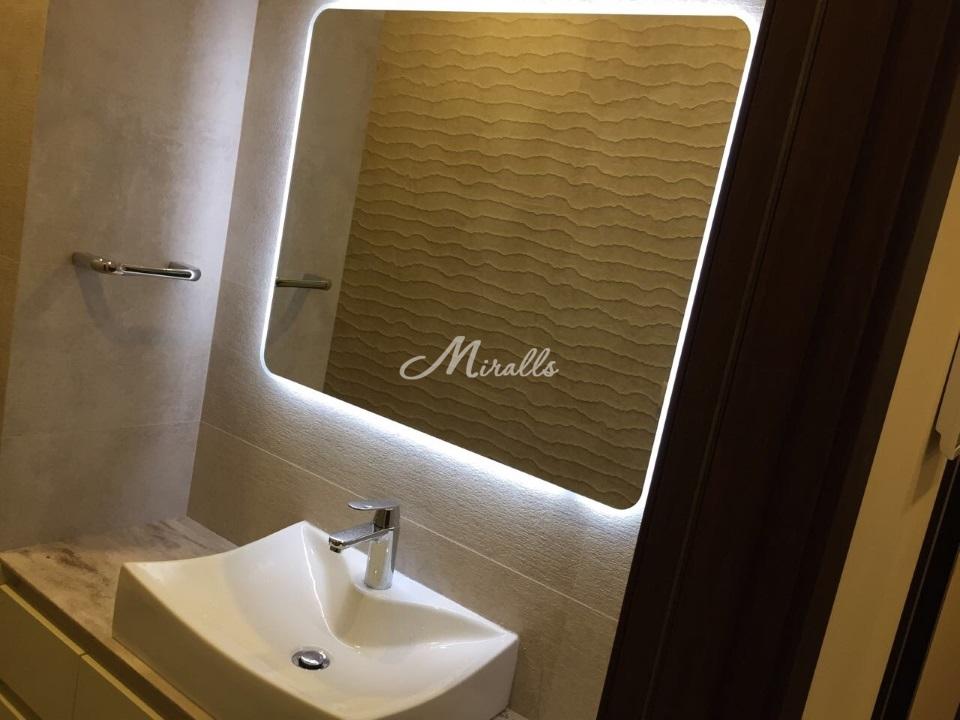 Зеркало XL в ванной комнате частной квартиры