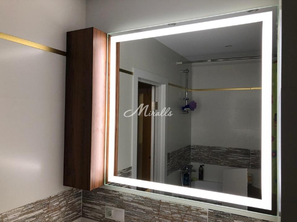 Зеркало Edging с холодным вариантом подсветки