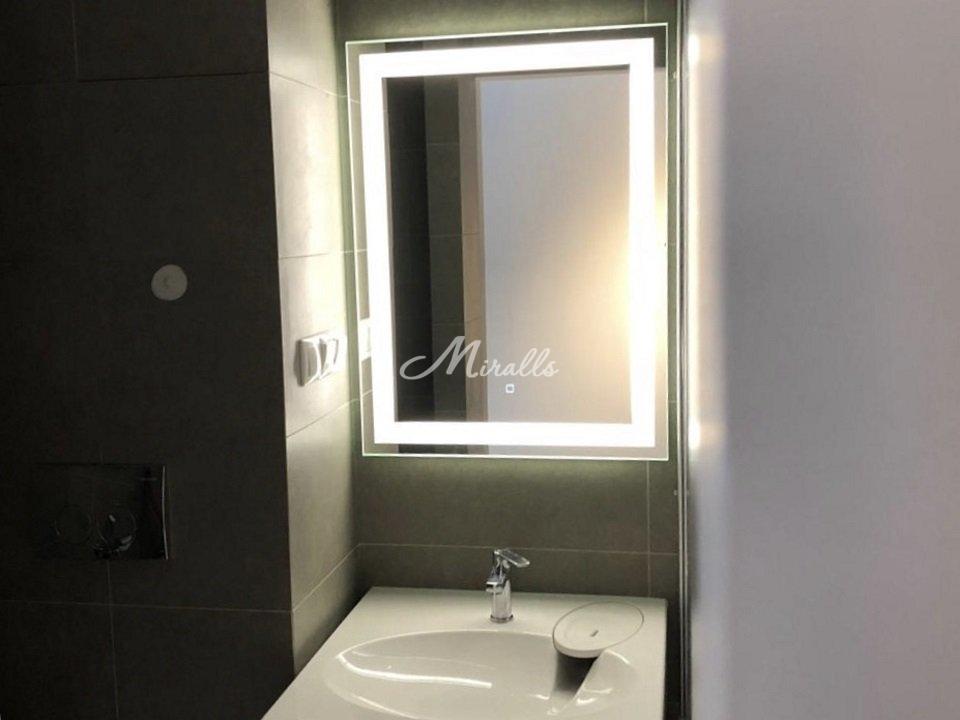Зеркало Edging в оформлении ванной комнаты