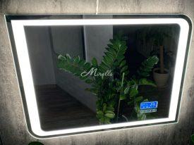Зеркало Fusion с «часами с сенсорными кнопками» в нашем шоу-руме