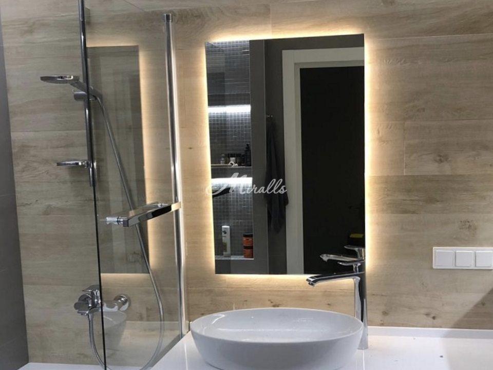 Зеркало с подсветкой Simple в частной квартире (ЖК Мещерский лес)