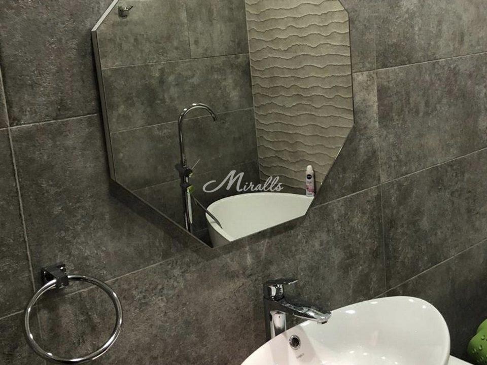 Зеркало Loft в частной ванной комнате (МФЦ Сити «федерация»)