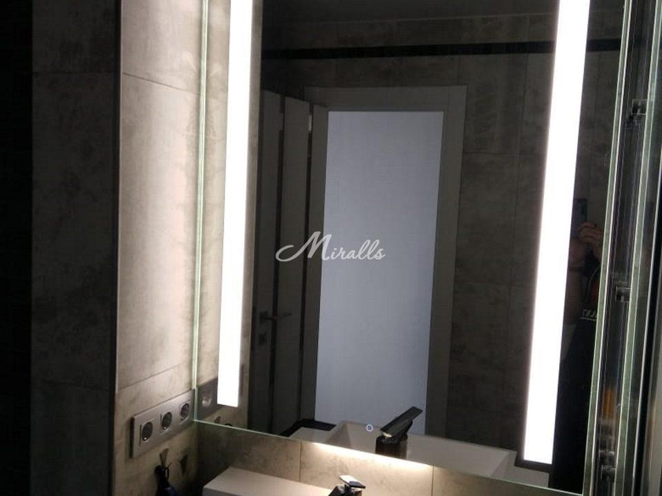 Зеркало с подсветкой Lora Extra в частной квартире (Новое Медведково)