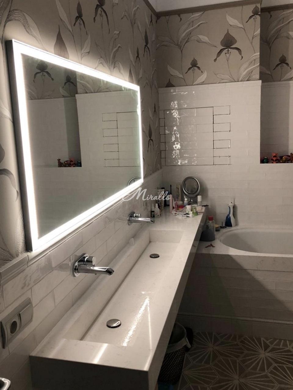 Зеркало Sella Extra в ванной комнате частной квартиры (ЖК Only)