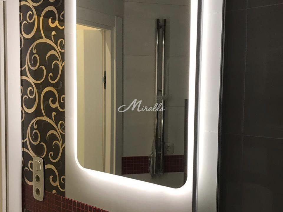 Зеркало с подсветкой XL в ванной комнате