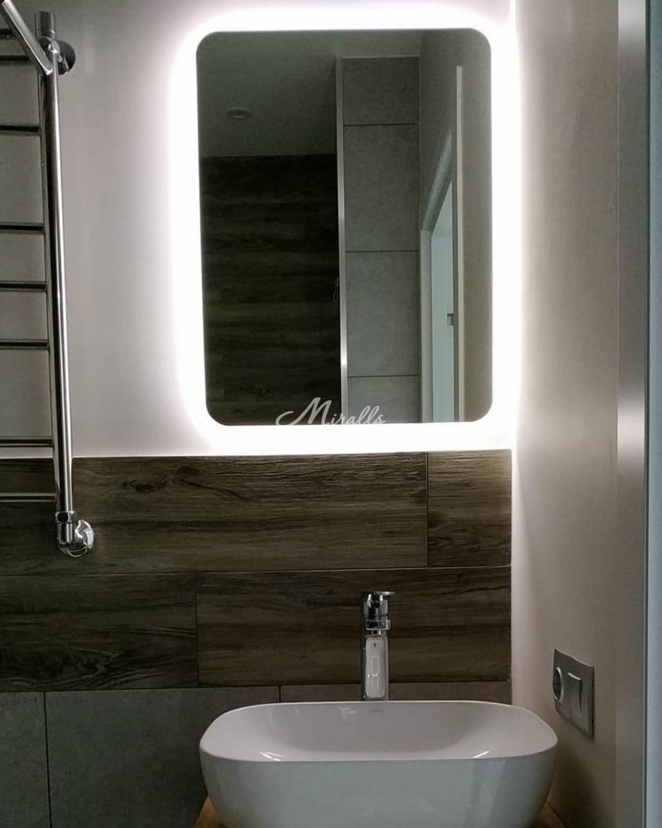 Зеркало Light в ванной комнате частной квартиры (ЖК Зеленые Аллеи)