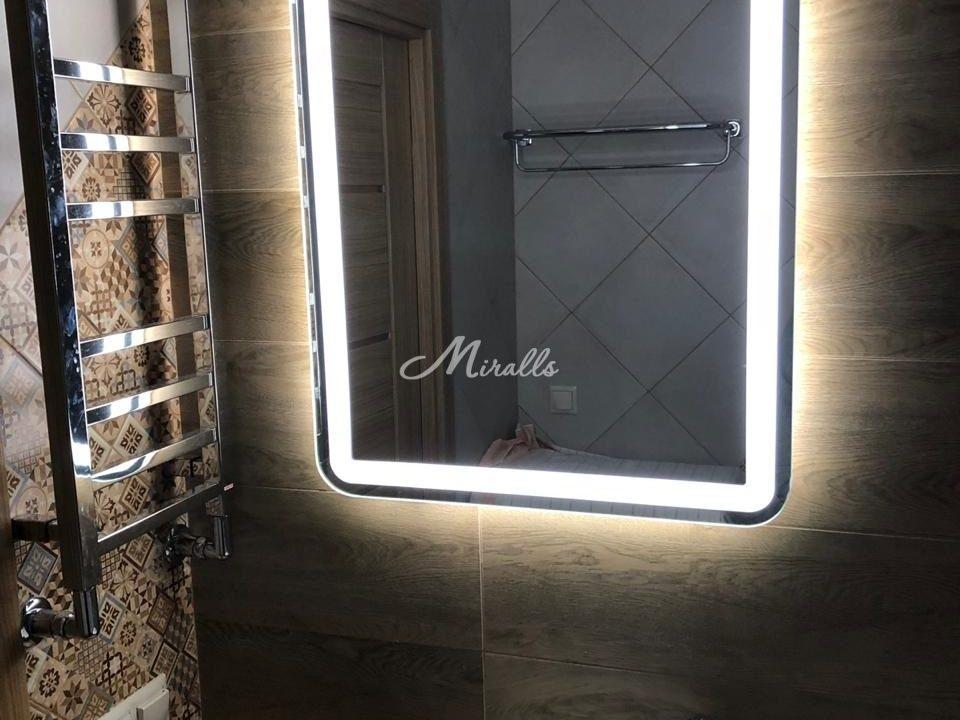 Зеркало Loretta в санузле частной квартиры (ЖК Мещерский лес)