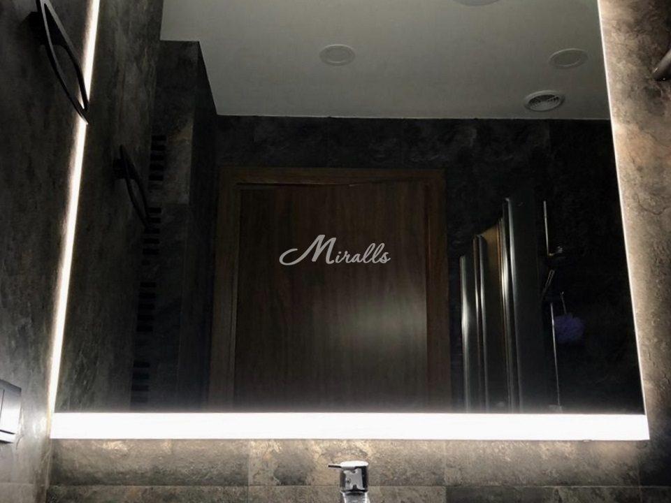 Модификация зеркала Murano в частной ванной комнате