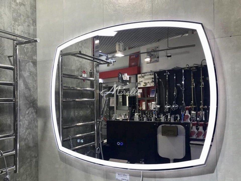 """Зеркало Cinema с """"холодным"""" вариантом подсветки"""