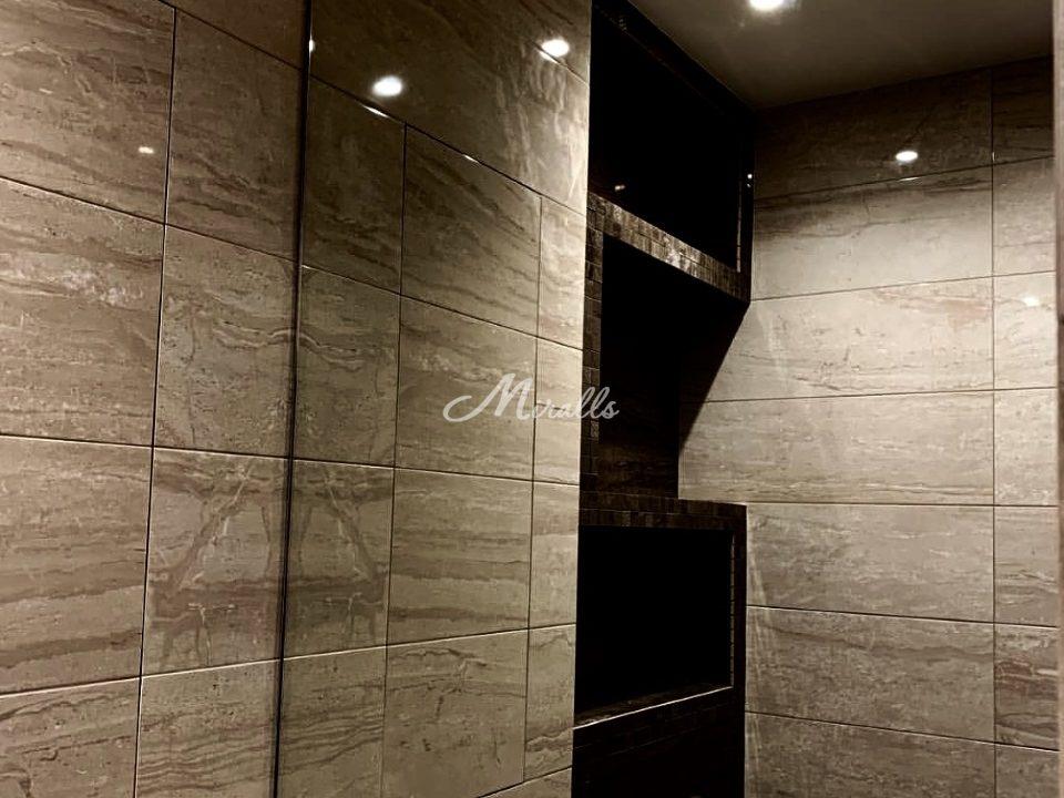 Зеркало Galla New в частной квартире