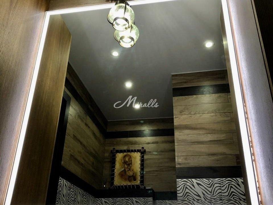 Зеркало Murano Extra в ванной комнате после монтажа