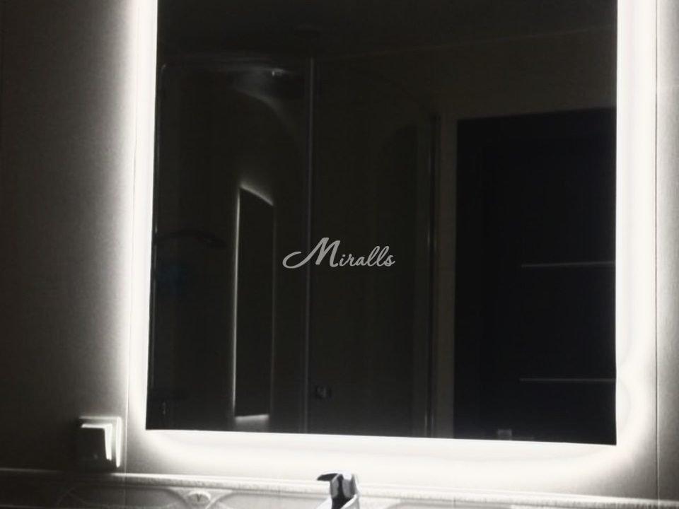 Зеркало Simple в частной квартире