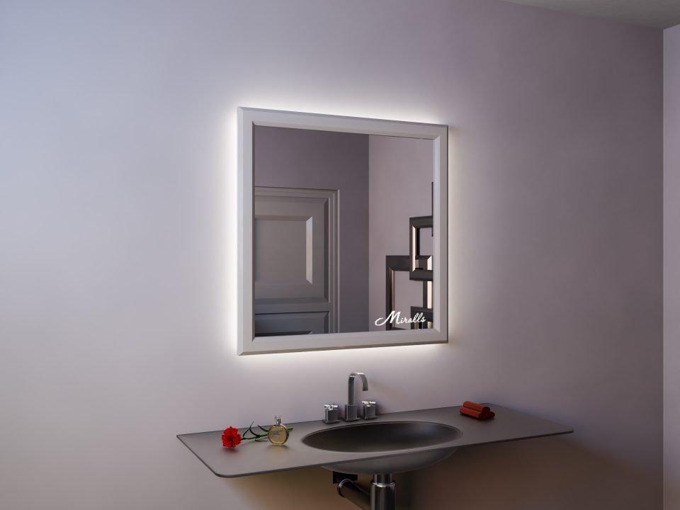 Зеркало с подсветкой в деревянной раме Bruno