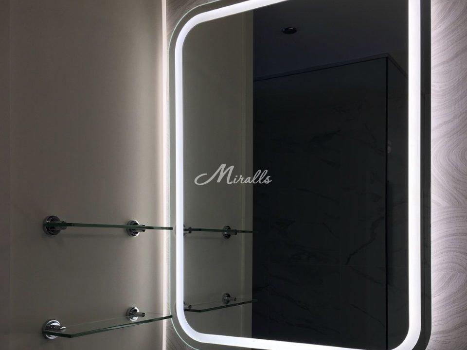 Модифицированное зеркало Loretta с холодным светом