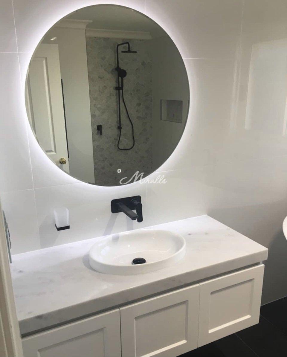 Зеркало Eclipse в частной квартире (ЖК Символ)