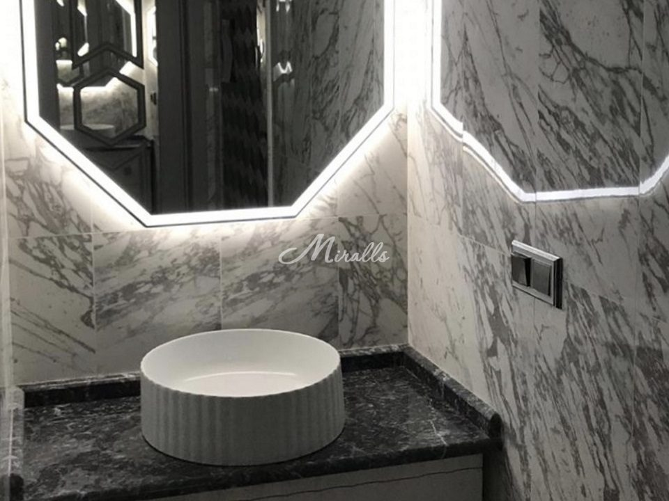 Зеркало Prisma в частной квартире (ЖК Life Ботанический)
