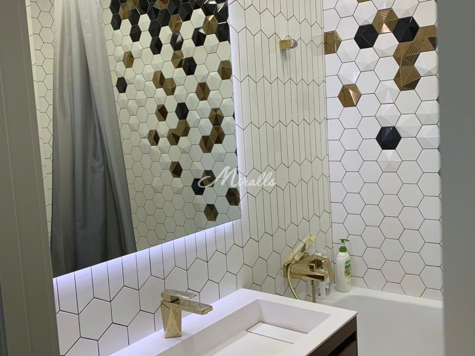 Зеркало Basic в санузле частной квартиры (ЖК Английский Квартал)