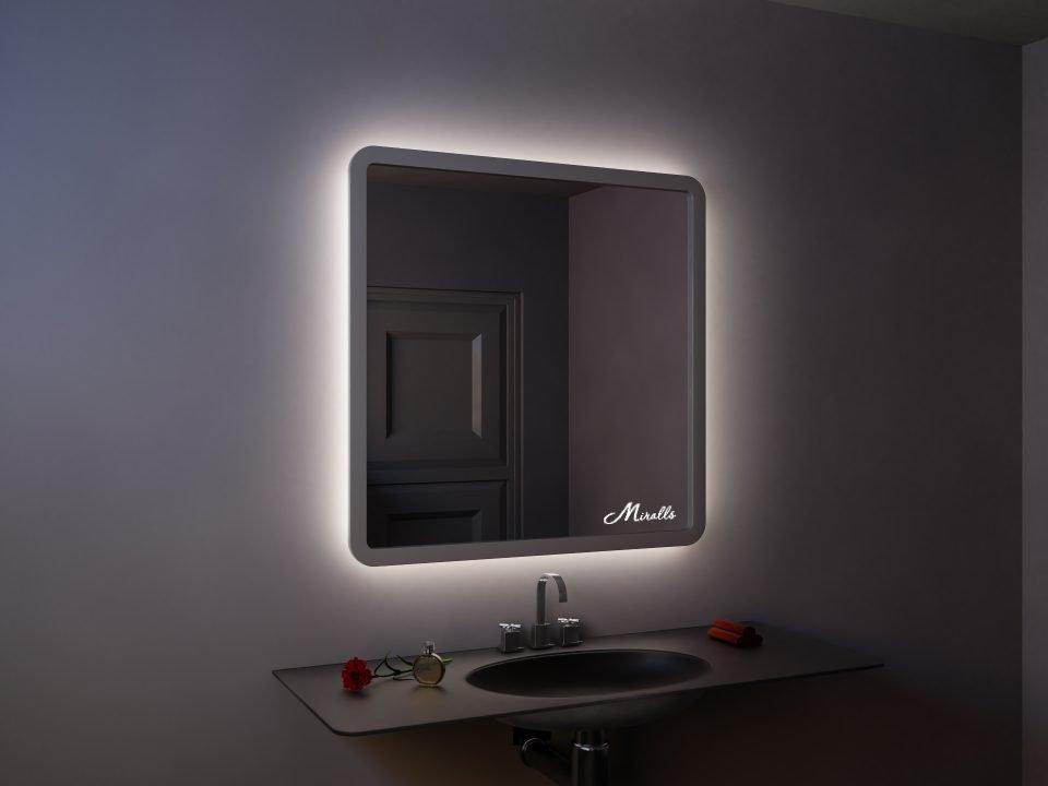 Квадратное зеркало в деревянной раме Leonardo