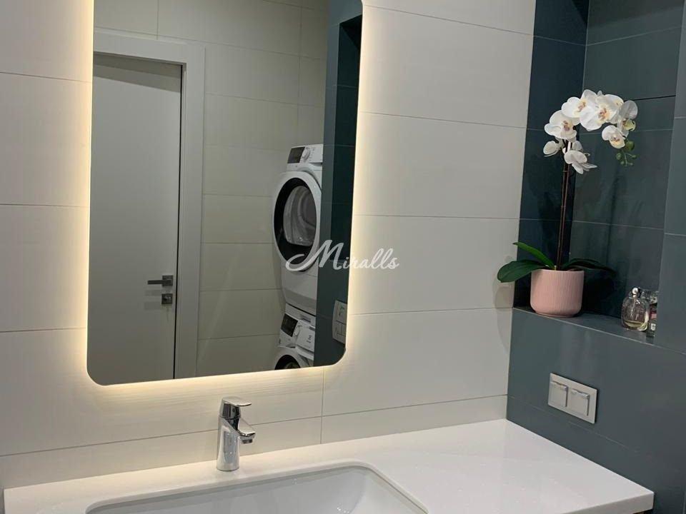 Зеркало Light в частной квартире (ЖК Символ)