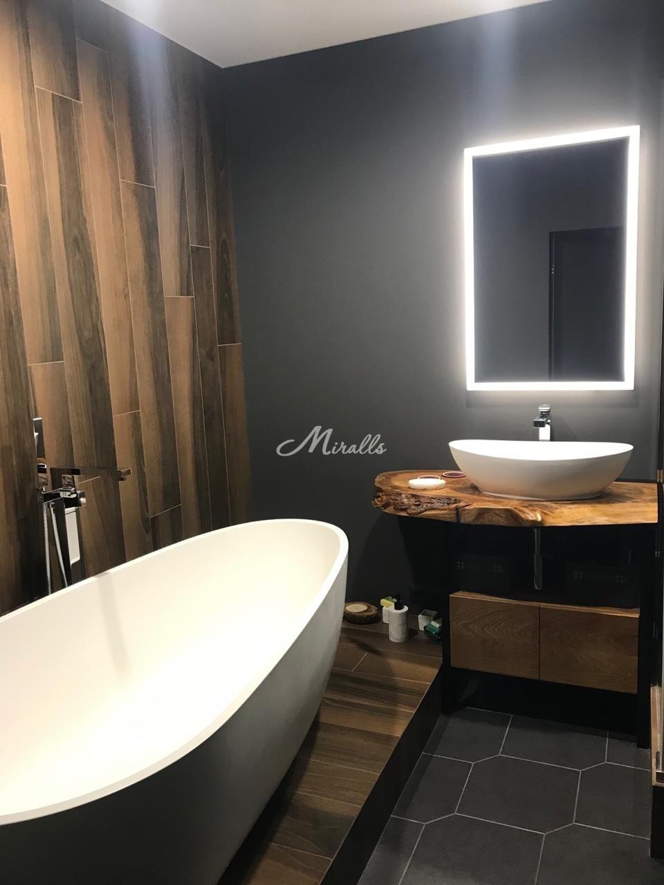 Зеркало Modern в роскошной ванной комнате (Савеловский Сити)