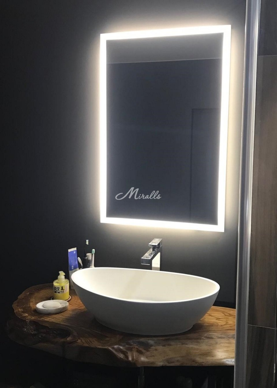 Зеркало Modern в частной квартире (МФК Савеловский сити)