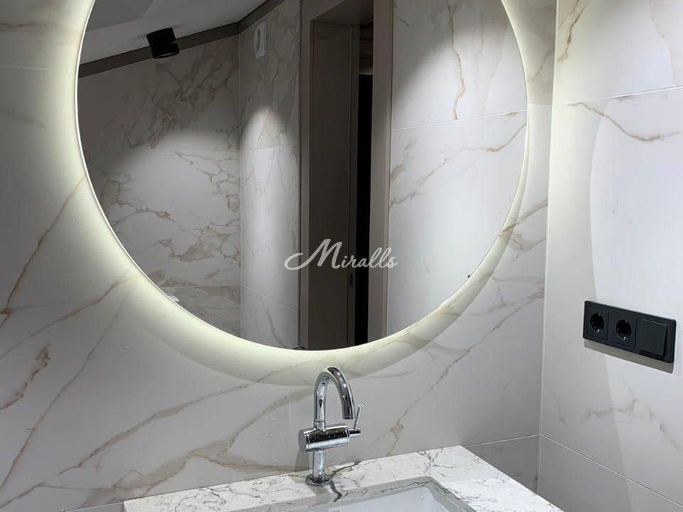 Зеркало Eclipse в загородном доме (поселок Мишино)