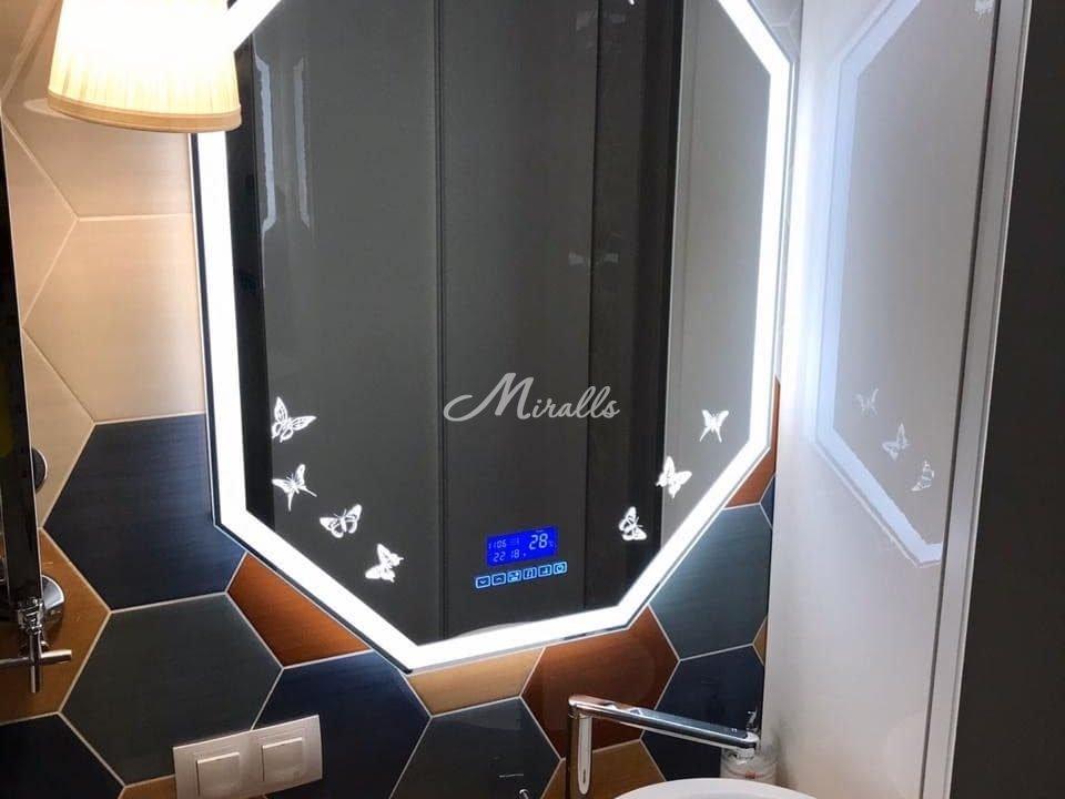 Модификация зеркала Major (добавлена художественная подсветка) в ЖК Лайм