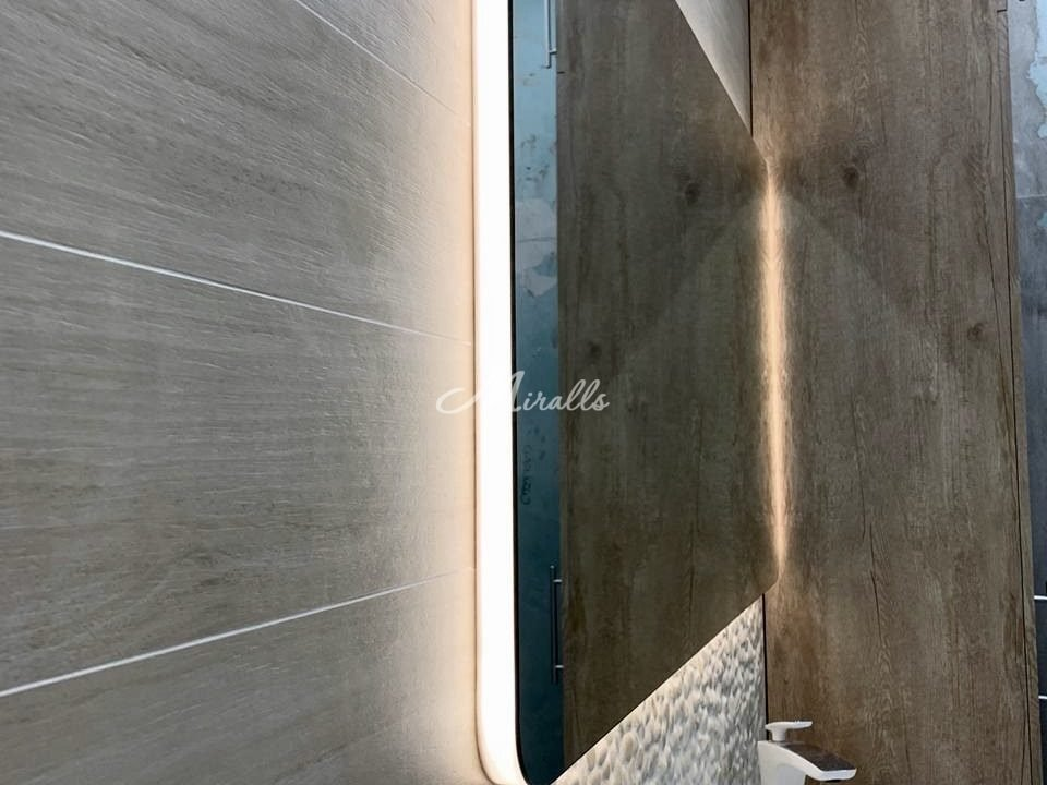 Зеркало Lux в ЖК Лайм