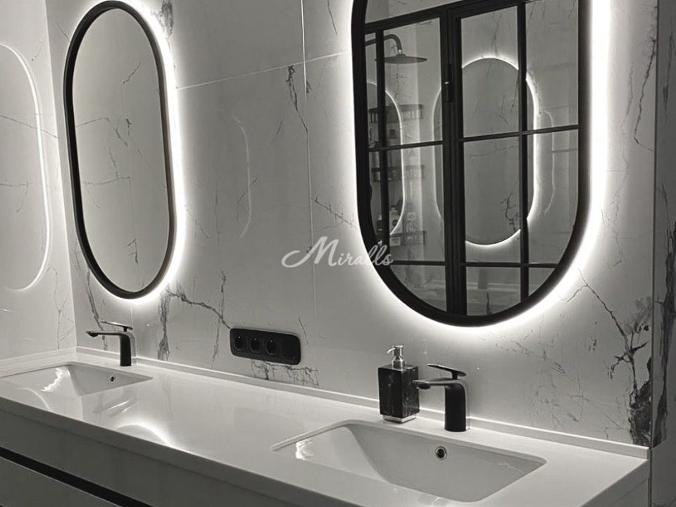 Зеркала Alba в ЖК Триколор