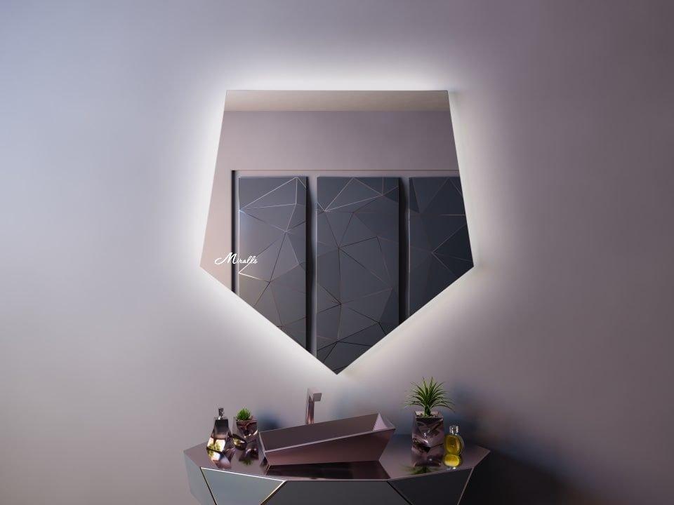 Зеркало необычной формы с подсветкой Iris