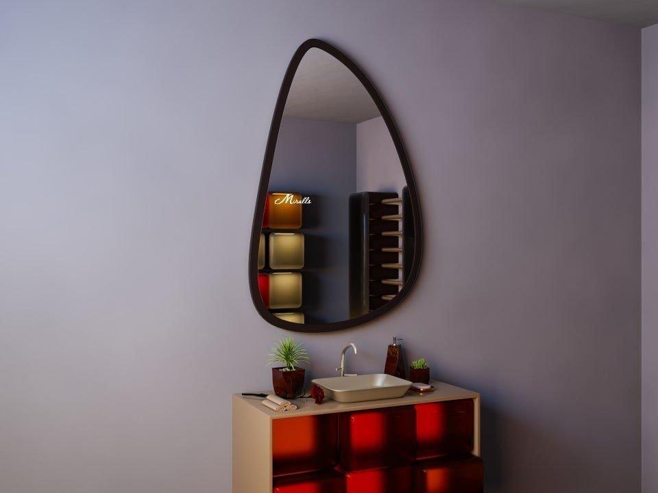 Зеркало в тонкой деревянной раме Donna