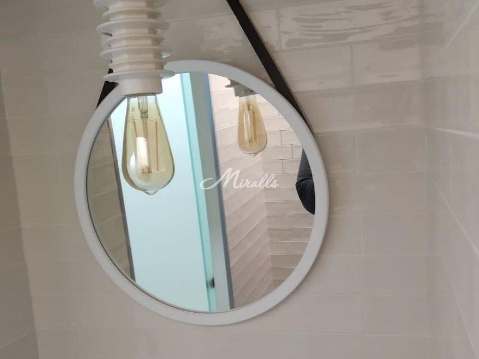 Круглое зеркало на ремне Estetica