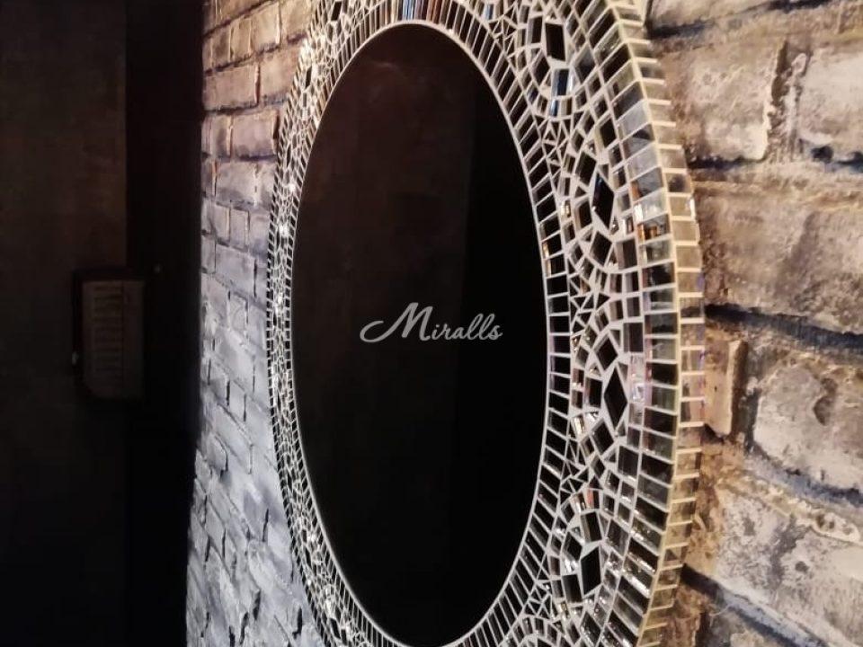 Зеркало Mosaic после монтажа