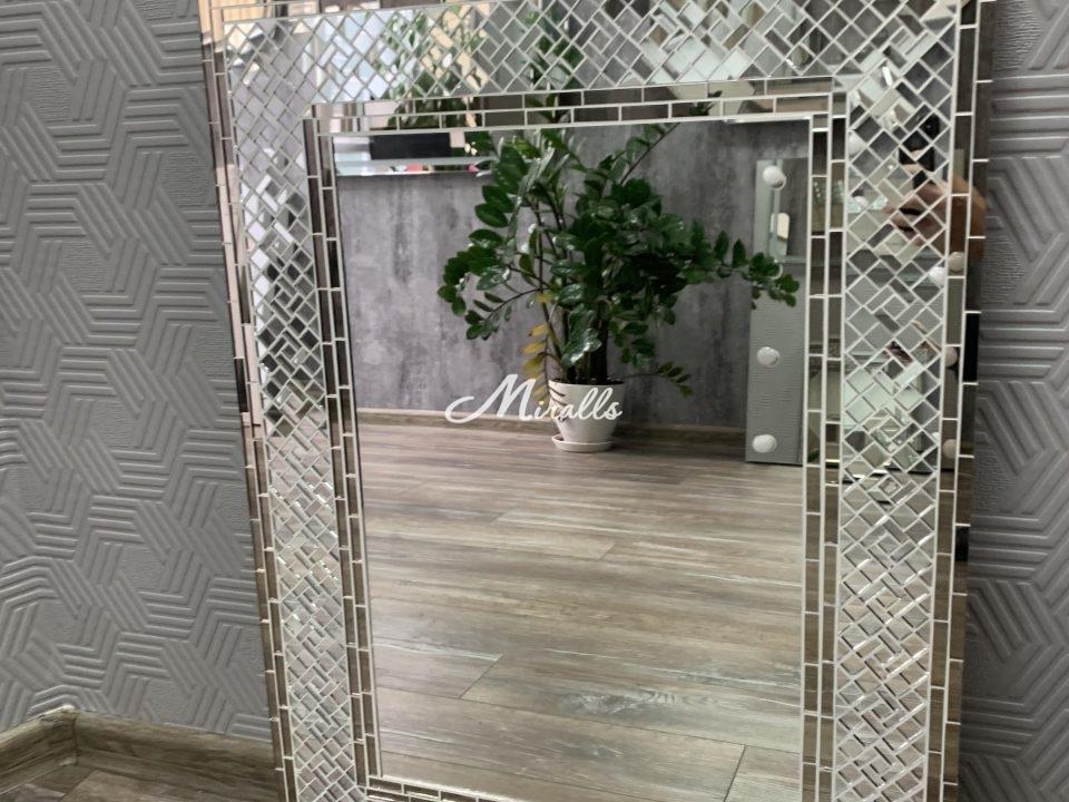 Зеркало Antique в нашем шоуруме