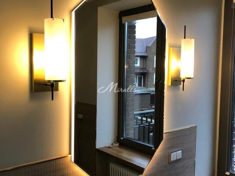Зеркало Romeo с теплым светом