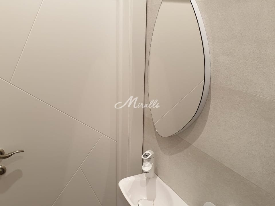Зеркало Onyx в ЖК Штат-18