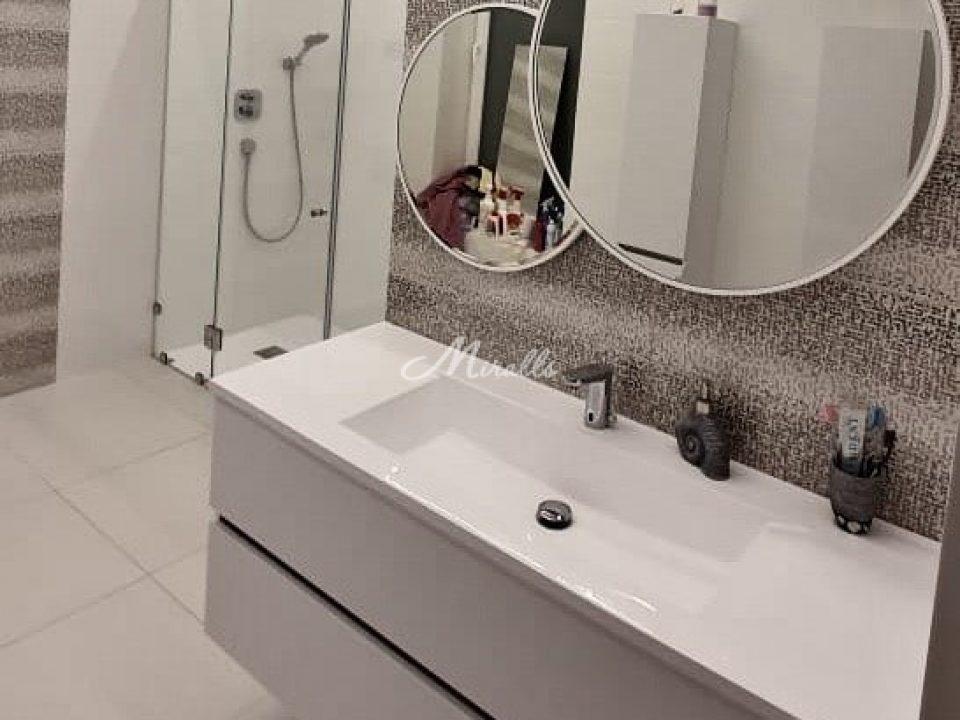 Зеркало Solaris в ЖК Barrin House