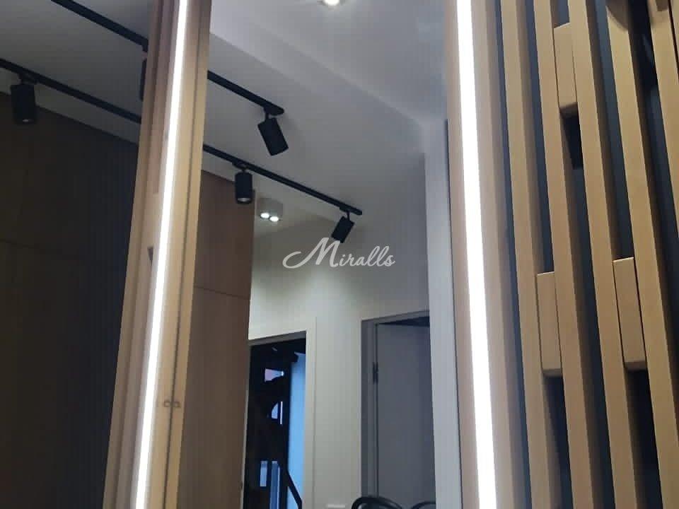 Зеркальное полотно под вклейку в ЖК Метрополия