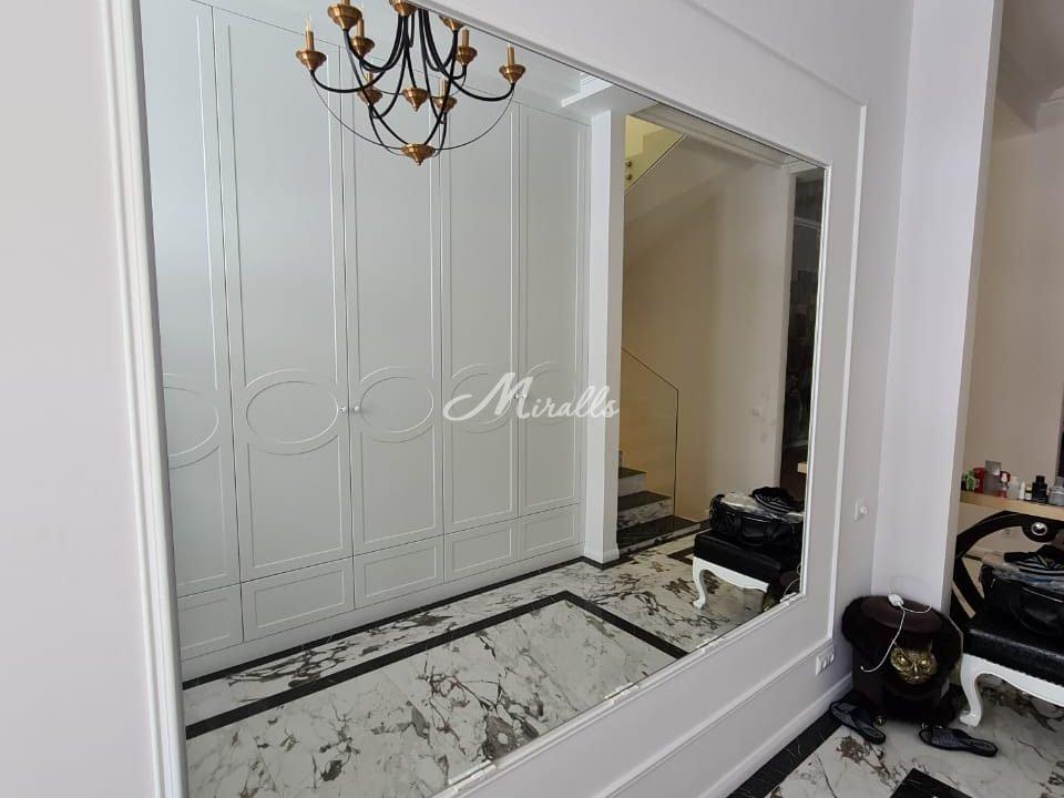 Зеркальное полотно под вклейку сразу после монтажа
